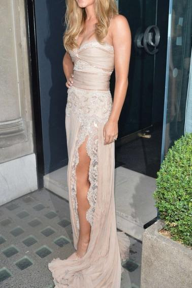 23.07 - Cheryl Cole @ Perfume Launch Party, Londres